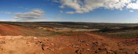Najsłynniejsze gejzery Islandii znajdują się na pustkowiu (fot. Nacho)