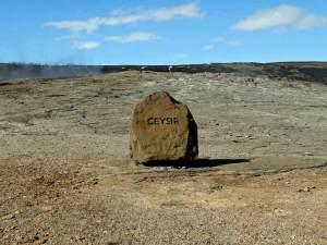 """Kamień """"informacyjny"""" przy gejzerze gejzerów (fot. Nacho)"""